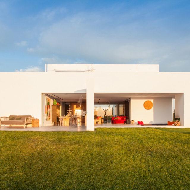 CUT - Locations - Ibiza - Casas - Villas Benirras