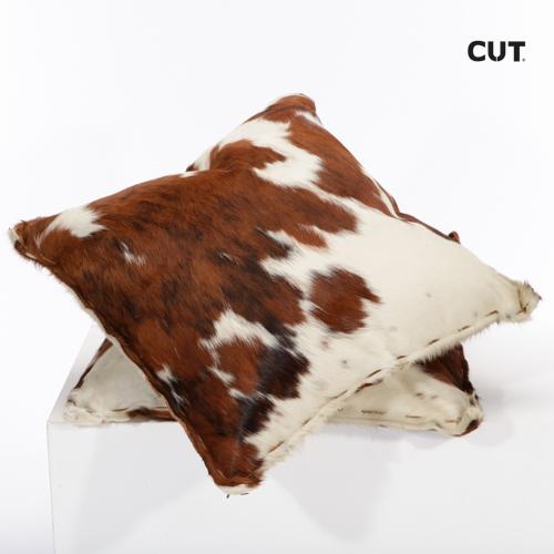 Fashion props in Mallorca cushion cow skin piel vaca 01