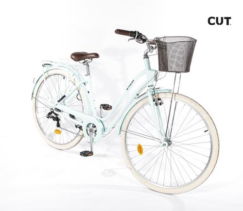 Fashion props in mallorca bike pale green ride leather 02