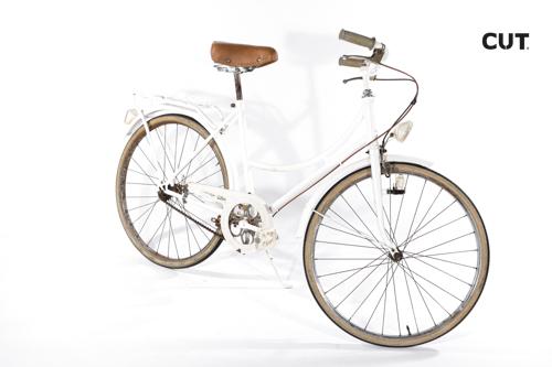 Photo session props bike ride white vintage 02