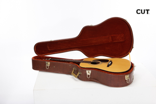 Props in Mallorca complements music guitar classic acoustic 02