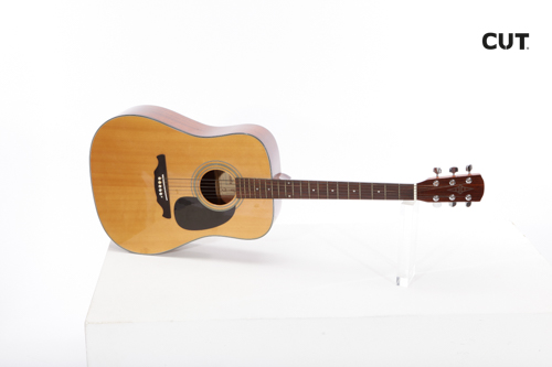 Props in Mallorca complements music guitar classic acoustic 03