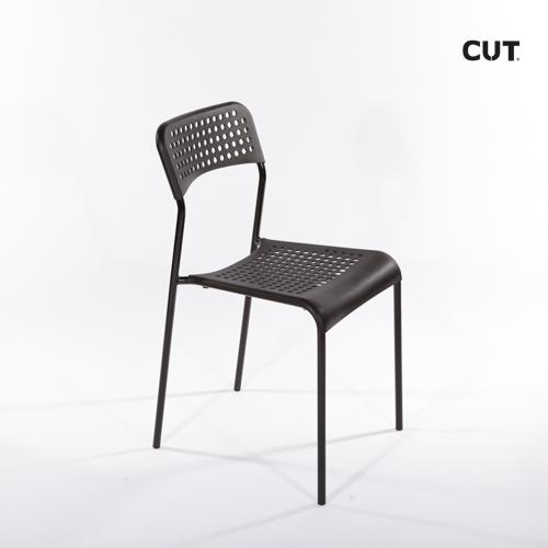 Props in mallorca chair black simple 04