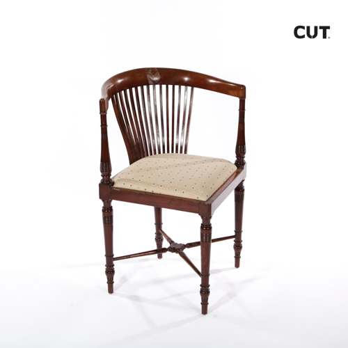 Props in mallorca chair wooden classic 04