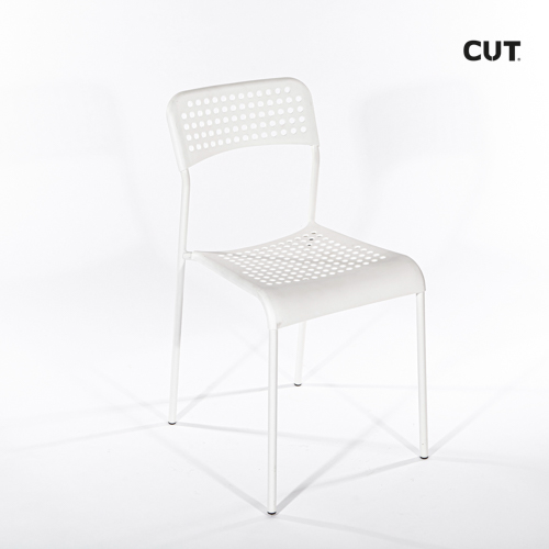 Props in spain chair white simple 04bis